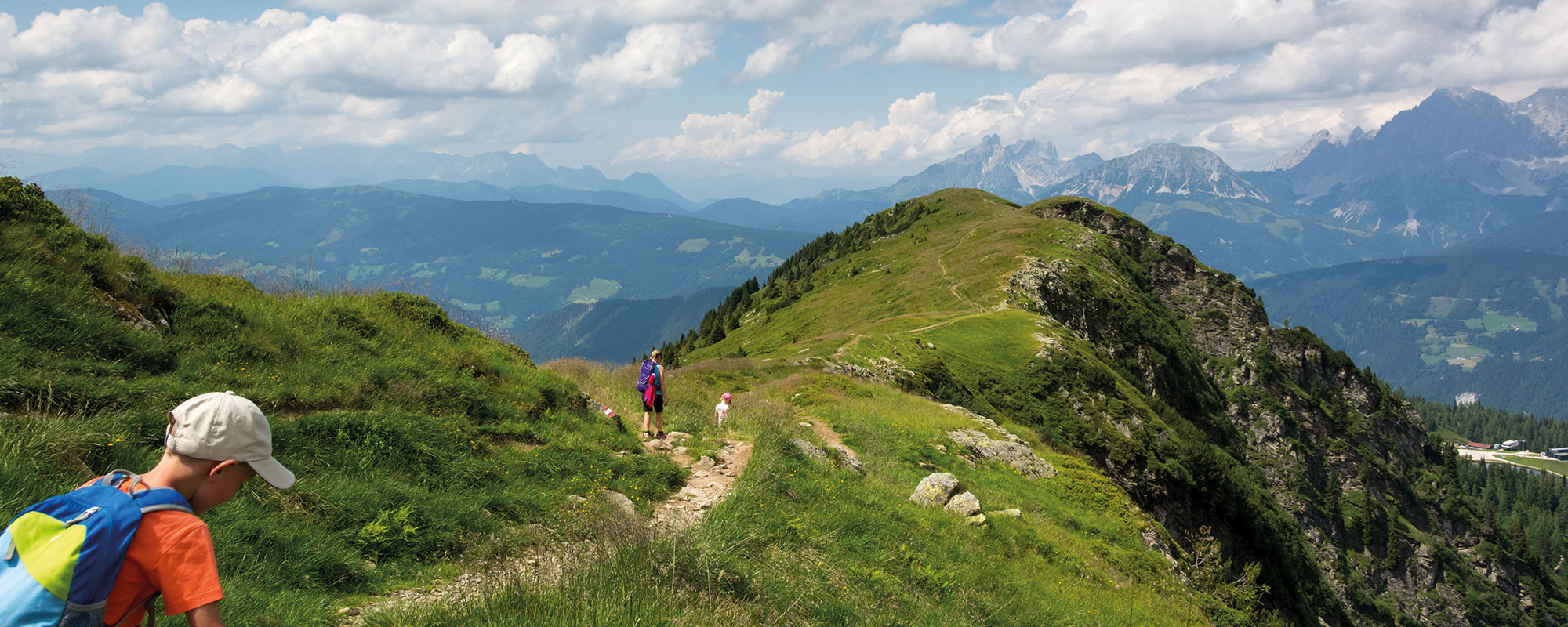 Hiking on the mountain trail of the Hochwurzen
