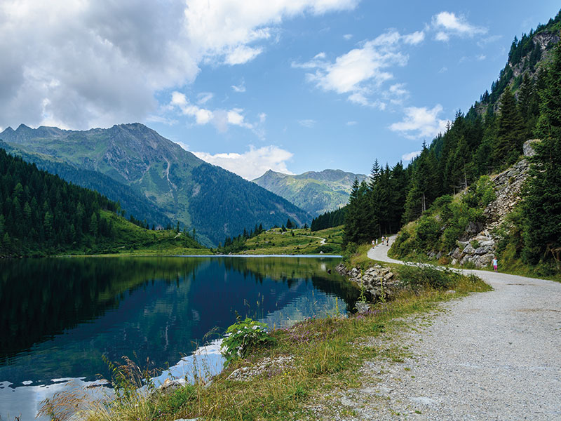 Family-friendly hike to Riesachsee in Untertal